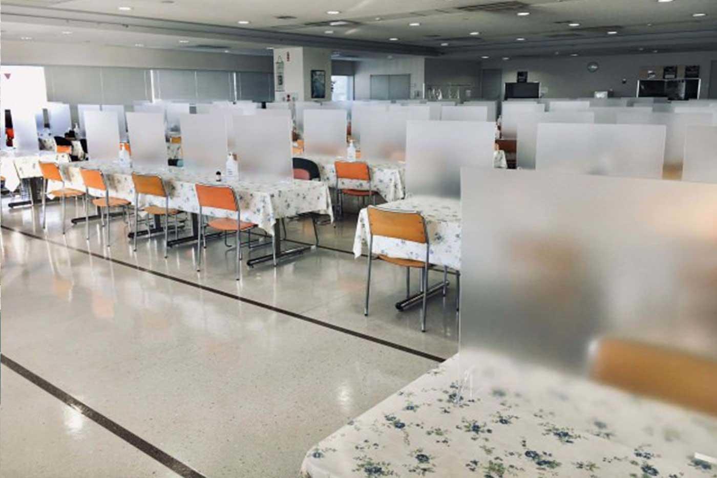 飛沫感染を防ぐパーテーション